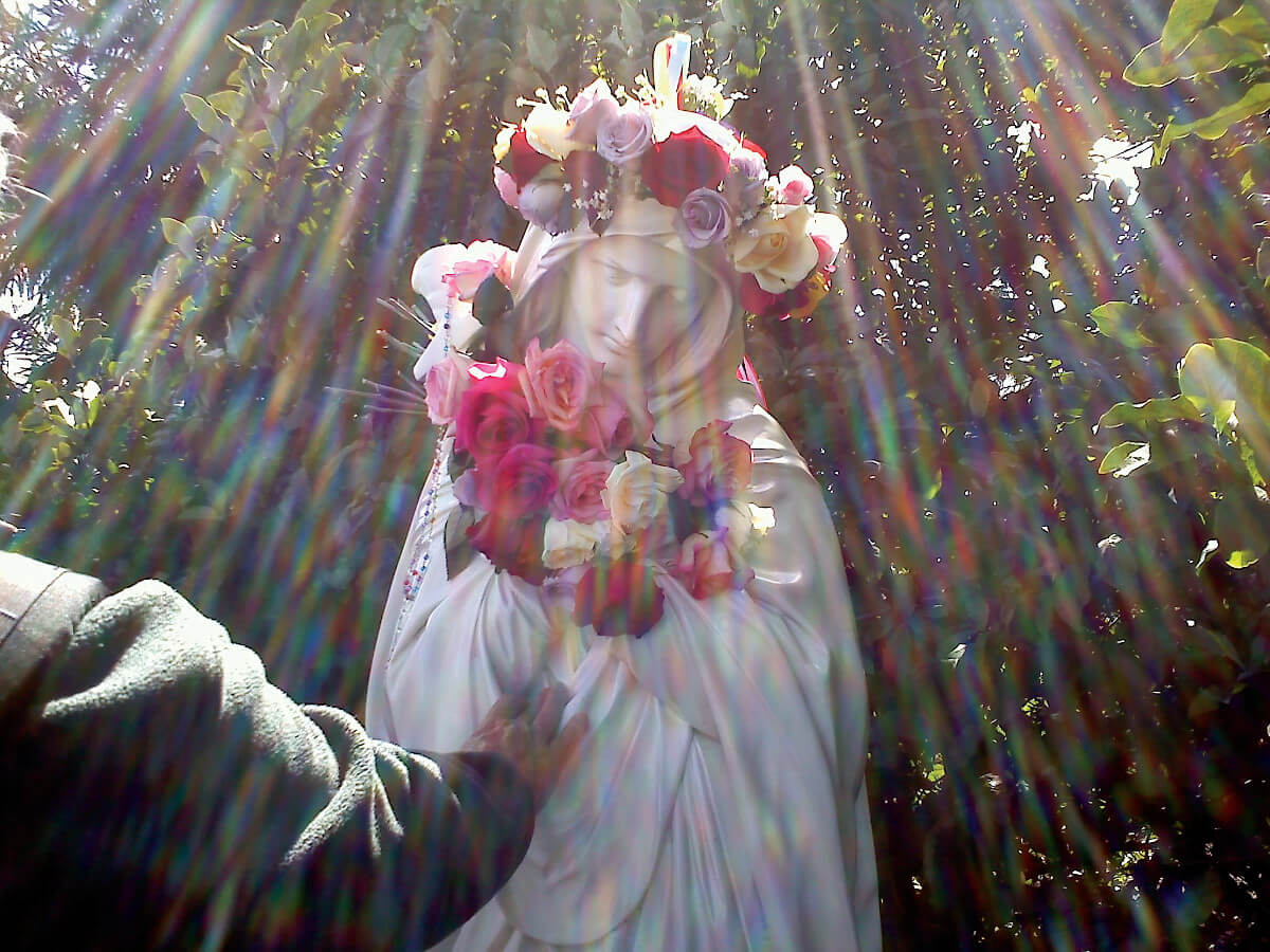 9 Mary Rays of Light